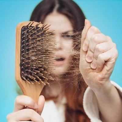علت کم پشتی مو  و روش های درمان آن