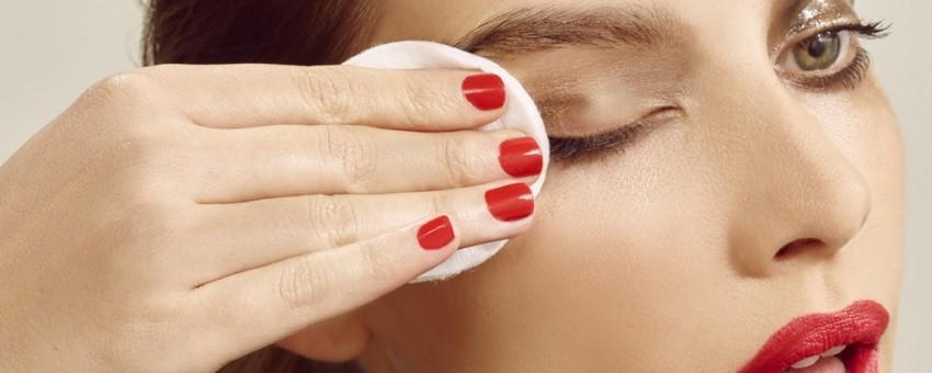 نکات آموزشی در رابطه با پاک کردن آرایش چشم