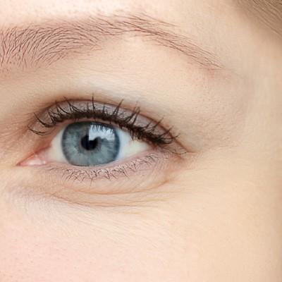 معرفی 2 ژل موثر در بهبود چین و چروک های اطراف چشم